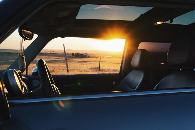 Mobil Dengan Sunroof
